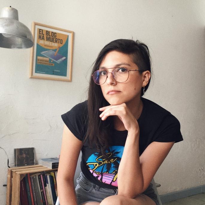 Abril Romero, blog bender, ingeniera en copys, doctora de ideas